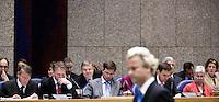 Nederland. Den Haag, 19 september 2007.<br /> Tweede dag algemene politieke beschouwingen in de tweede kamer.<br /> PVV leider Geert Wilders loopt weg van de interruptiemicrofoon. Vak K. Kabinet balkenende Vier.<br /> Foto Martijn Beekman <br /> NIET VOOR TROUW, AD, TELEGRAAF, NRC EN HET PAROOL