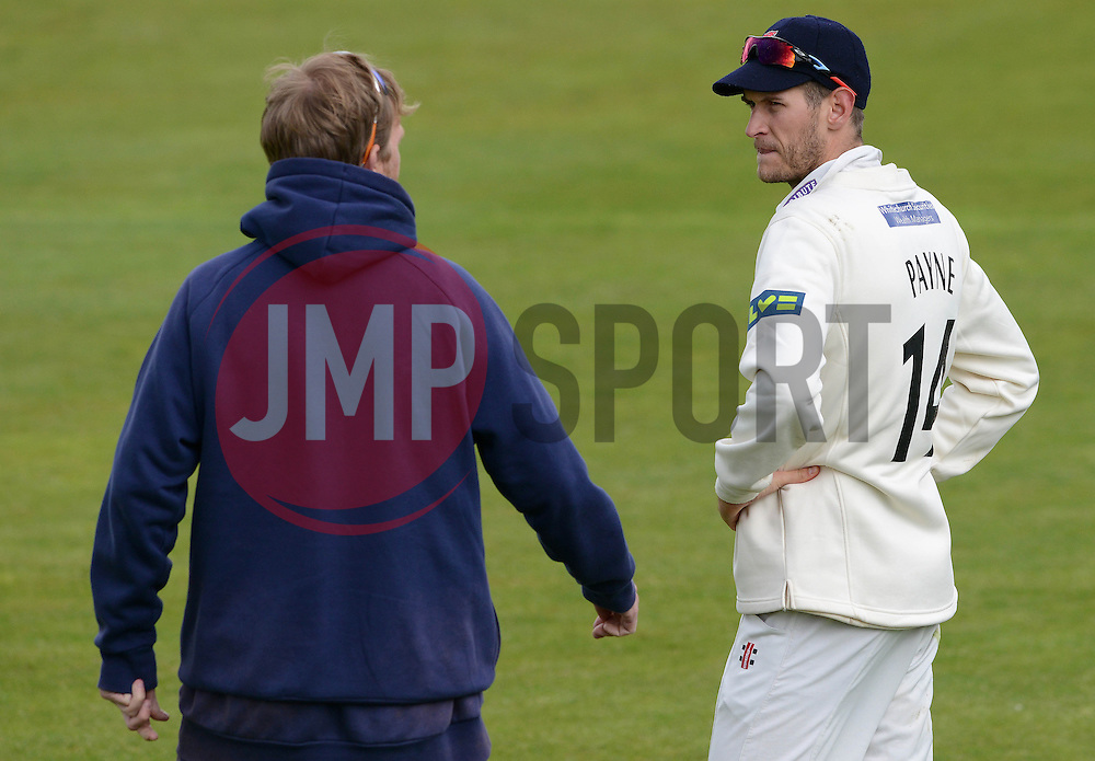 David Payne of Gloucestershire speaks with Gloucestershire Head Coach Richard Dawson - Photo mandatory by-line: Dougie Allward/JMP - Mobile: 07966 386802 - 19/05/2015 - SPORT - Cricket - Bristol - County Ground - Gloucestershire v Kent - LV=County Cricket Division 2