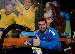 20-12-2013 VOLLEYBAL: PERSCONFERENTIE ORANJE MANNEN EN VROUWEN: ARNHEM<br /> Op Papendal werd een perslunch met de Oranje mannen en vrouwen georganiseerd / Yannick van Harskamp<br /> &copy;2013-FotoHoogendoorn.nl