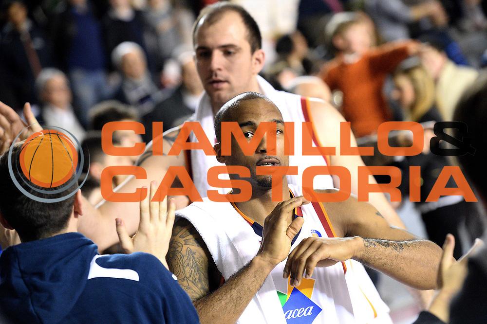 DESCRIZIONE : Roma Lega serie A 2013/14 Acea Virtus Roma Sutor Montegranaro<br /> GIOCATORE : phill goss<br /> CATEGORIA : esultanza<br /> SQUADRA : Acea Virtus Roma<br /> EVENTO : Campionato Lega Serie A 2013-2014<br /> GARA : Acea Virtus Roma Sutor Montegranaro<br /> DATA : 18/01/2014<br /> SPORT : Pallacanestro<br /> AUTORE : Agenzia Ciamillo-Castoria/M.Greco<br /> Fotonotizia : Roma Lega serie A 2013/14 Acea Virtus Roma Sutor Montegranaro<br /> Predefinita :