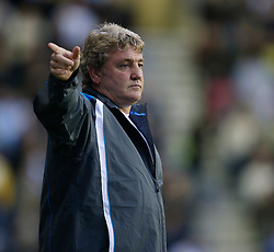 WIGAN, ENGLAND - Saturday, December 1, 2007: Wigan Athletic's new manager Steve Bruce during the Premiership match against Manchester City at the JJB Stadium. (Photo by David Rawcliffe/Propaganda)WIGAN, ENGLAND - Saturday, December 1, 2007: Wigan Athletic's new manager Steve Bruce during the Premiership match against Manchester City at the JJB Stadium. (Photo by David Rawcliffe/Propaganda)