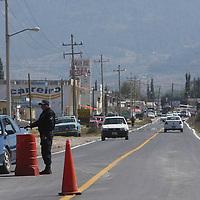 Jiquipilco, Mexico.-Parte de los 24 kilometros de la carretera que conecta a Jiquipilco con el municipio de Naucalpan, que fue inaugurada la mañana de este martes.  Agencia MVT / Beatriz Rodriguez.