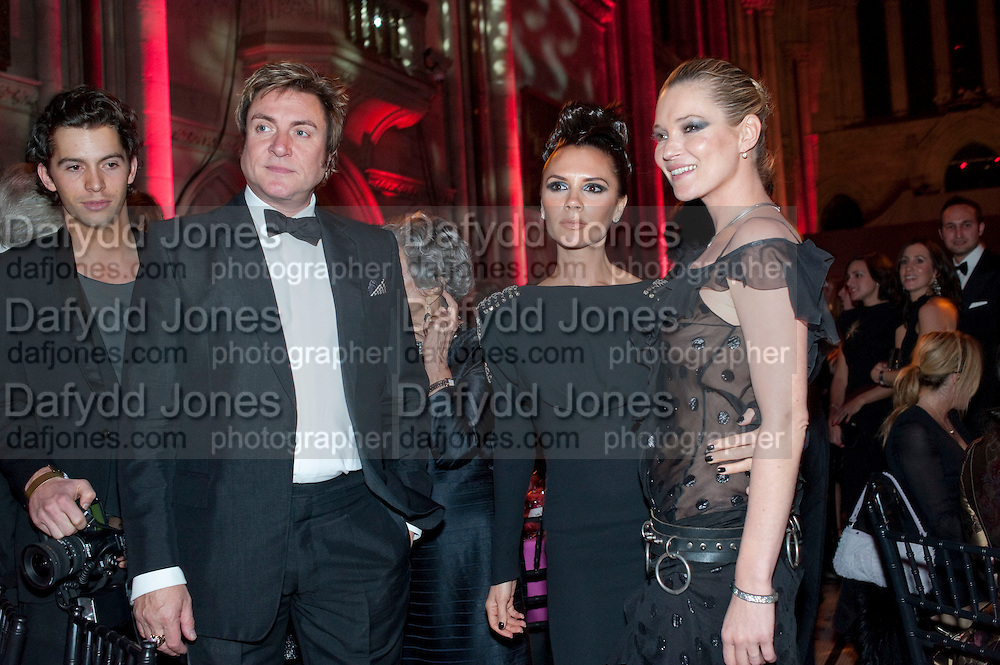 SIMON LE BON; KATE MOSS; VICTORIA BECKHAM, British Fashion awards 2009. Supported by Swarovski. Celebrating 25 Years of British Fashion. Royal Courts of Justice. London. 9 December 2009