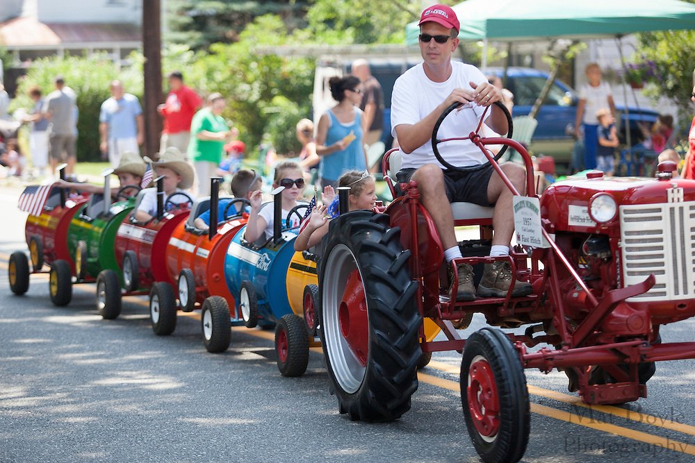 Gloucester County 4H: Pitman 4th of July Parade down Broadway in Pitman NJ on Wednesday July 4, 2012. (photo / Mat Boyle)