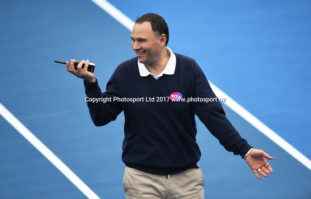 WTA chair umpire Mohamed Lahyan during a weather break on the opening day of the ASB Classic. WTA Womens Tournament. ASB Tennis Centre, Auckland, New Zealand. Monday 2 January 2017. © Copyright photo: Andrew Cornaga / www.photosport.nz