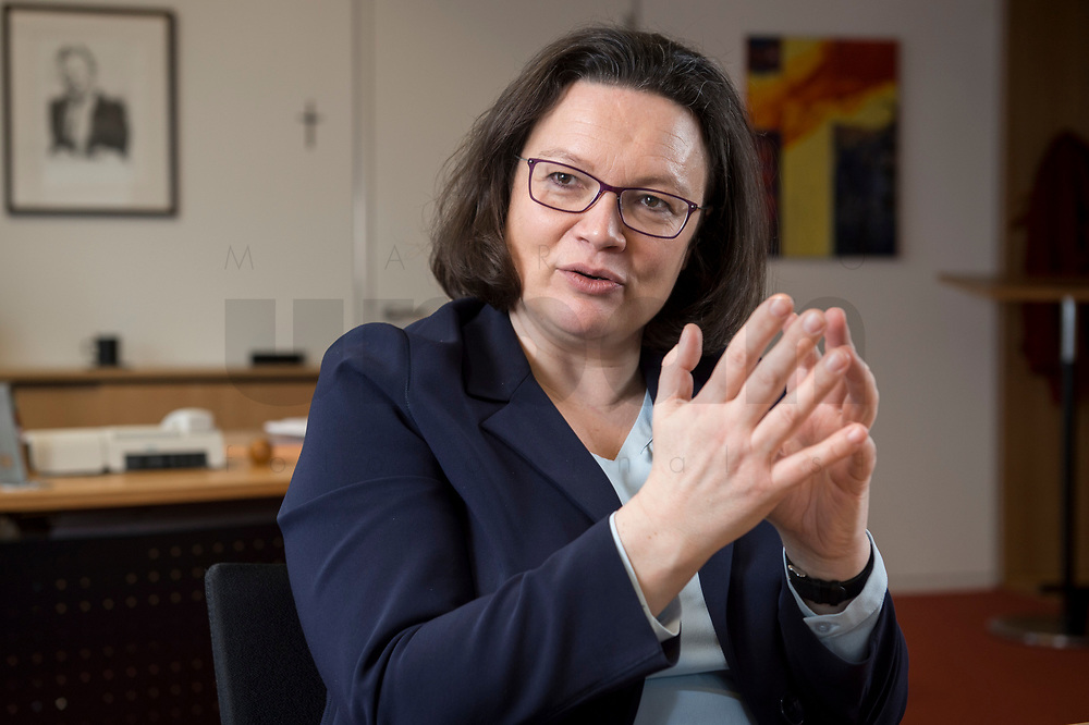 15 MAR 2018, BERLIN/GERMANY:<br /> Andrea Nahles, SPD Fraktionsvorsitzende, waehrend einem Interview, in ihrem Buero, Jakob-Kaiser-Haus, Deutscher Bundestag<br /> IMAGE: 20180315-01-023<br /> KEYWORDS: Büro