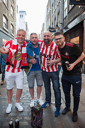 Sunderland fans descend on London the night before Sunderland play Portsmouth in the EFL Checkatrade Trophy final at Wembley.<br /> <br /> Richard Hancox | EEm 30032019