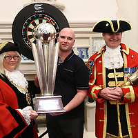 rob cross with mayor of hastings