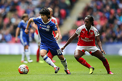 Ji So-Yun of Chelsea Ladies under pressure from Danielle Carter of Arsenal Ladies - Mandatory byline: Jason Brown/JMP - 14/05/2016 - FOOTBALL - Wembley Stadium - London, England - Arsenal Ladies v Chelsea Ladies - SSE Women's FA Cup