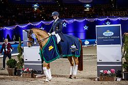 KOSCHEL Christoph (GER), Ballentines<br /> München - Munich Indoors 2019<br /> Meggle Grand Prix Kür (CDI4*)<br /> Siegerehrung MEGGLE Champion of Honour<br /> 23. November 2019<br /> © www.sportfotos-lafrentz.de/Stefan Lafrentz