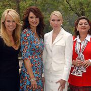 NLD/Volendam/20051005 - Persviewing Gooise Vrouwen, linda de Mol, Susan Visser, Tjitske Reidinga, Annet Malherbe