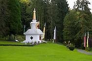 Belgie,  Hui, 20141008.<br /> Instituut Yeuten Ling in Huy, een klooster van de Tibetaans boeddhistische gemeenschap in Belgi&euml; in de stad Huy. Het Tibetaans Instituut is niet echt een klooster of leefgemeenschap, maar meer een cultureel centrum.<br /> de grote, nieuwe tempel Thubten Shedrub Ling wat &ldquo;tuin voor studie en onderricht van de Verlichte&rdquo; betekent. De Dalai Lama gaf de tempel deze naam in de wens dat deze gebruikt wordt als ontmoetingsplaats tussen Oost en West.<br /> <br /> Belgium,  Huy, 20141008<br /> Institute Yeuten Ling in Huy, a monastery of the Tibetan Buddhist community in Belgium in the city of Huy. The Tibetan Institute is not a monastery or community, but rather a cultural center<br /> the large new temple Thubten Ling Shedrub what &quot;garden for study and teaching of the Enlightened&quot; means. The Dalai Lama gave the temple the name in the hope that it will be used as a meeting place between East and West.