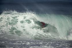 December 11, 2017 - Banzai Pipeline, HI, USA - BANZAI PIPELINE, HI - DECEMBER 11, 2017 - Julian Wilson of Australia completes in the first round of the Billabong Pipe Masters. (Credit Image: © Erich Schlegel via ZUMA Wire)