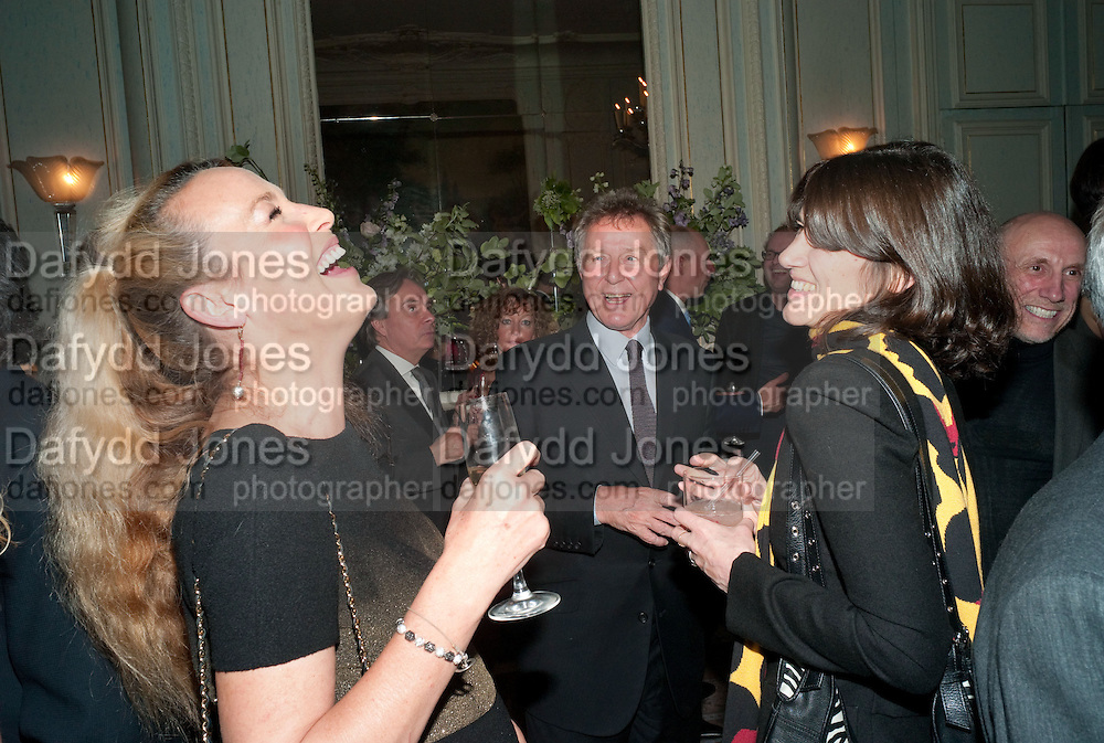 JERRY HALL; DAVID JENKINS; BELLA FREUD, Dinner to mark 50 years with Vogue for David Bailey, hosted by Alexandra Shulman. Claridge's. London. 11 May 2010 *** Local Caption *** -DO NOT ARCHIVE-© Copyright Photograph by Dafydd Jones. 248 Clapham Rd. London SW9 0PZ. Tel 0207 820 0771. www.dafjones.com.<br /> JERRY HALL; DAVID JENKINS; BELLA FREUD, Dinner to mark 50 years with Vogue for David Bailey, hosted by Alexandra Shulman. Claridge's. London. 11 May 2010