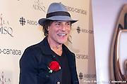 """Portrait de Jean Leloup - Prix de l'ADISQ 2015 : Interprète masculin de l'année ainsi que Auteur ou compositeur de l'année et Chanson de l'année – choix du public pour """" Paradis City """". En direct des remises de prix de l'ADISQ en direct avec Francophonie Express à la Place des Arts / Montreal / Canada / 2015-11-08, Photo © Marc Gibert / adecom.ca"""