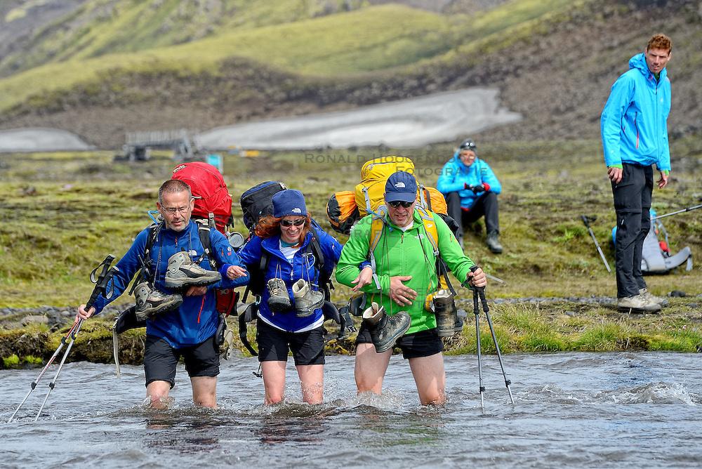 09-07-2014 ISL: Iceland Diabetes Challenge Dag 5, Emstrur<br /> Van Alftavatn naar Emstrur / Bas van de Goor, Henk, Marion Fokkert, Bas Howeling