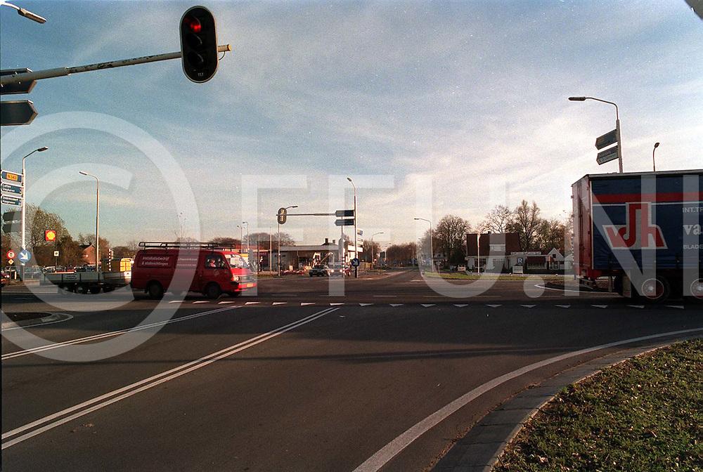 hardenberg : zicht op haardijk(over kruispunt)..foto frank uijlenbroek@1995