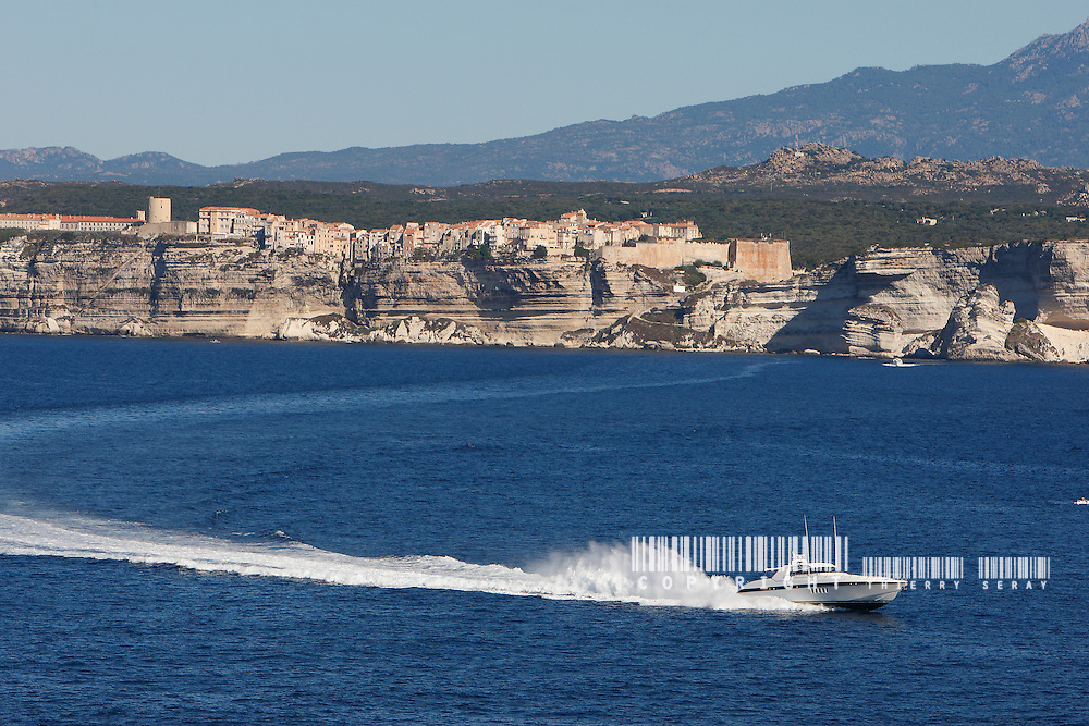 MOTOR YACHT IN SOUTH CORSICA. PERFECT BEACH, BLUE DREAM