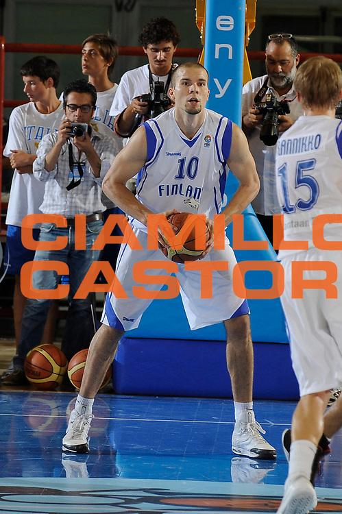 DESCRIZIONE : Porto San Giorgio Eurobasket Men 2009 Additional Qualifying Round Italia Finlandia<br /> GIOCATORE : Tuukka Kotti<br /> SQUADRA : Italia Italy Nazionale Italiana Maschile<br /> EVENTO : Eurobasket Men 2009 Additional Qualifying Round <br /> GARA : Italia Finlandia Italy Finland<br /> DATA : 20/08/2009 <br /> CATEGORIA :  <br /> SPORT : Pallacanestro <br /> AUTORE : Agenzia Ciamillo-Castoria/G.Ciamillo