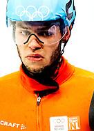 Shorttracker Sjinkie Knegt is vrijdag bij de Olympische Spelen als vierde en laatste geëindigd in de B-finale op de 500 meter. De Fries, die eerder brons pakte op de 1000 meter, nam geen enkel risico. Hij komt om 19.30 uur nog uit in de finale op de aflossing. De Nederlandse shorttrackers zijn er vrijdag bij de Olympische Spelen niet in geslaagd een medaille te veroveren op de aflossing. Sjinkie Knegt, Niels Kerstholt, Freek van der Wart en Daan Breeuwsma eindigden in de finale als vierde. De titel ging naar de Russen. Het team van de Verenigde Staten werd tweede. China hield het Nederlandse kwartet net van het brons af.