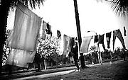 Javier Calvelo/ URUGUAY/ MONTEVIDEO/ Ciudad Vieja - Peatonal Sarandi / Recorrido para Montevideo Ciudad Ocre. Inmediaciones del Cementerio del Norte sobre la calle Burgues.<br /> En la foto: Calle Burgues frente al cementerio del Norte. Foto: Javier Calvelo <br /> 20140728  dia lunes