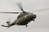 15 JUL 2002, VEITSHOECHHEIM/GERMANY:<br /> Transporthubschrauber NH 90, der zukuenftige Hubschrauber von Heer, Luftwaffe und Marine, produziert von NHIndustries,  einer europaeischen Kooperation von Eurocopter, Agusta, Stork-Fokker, Veitshoechheim<br /> IMAGE: 20020715-01-019<br /> KEYWORDS: Veitshöchheim, helicopter, in der Luft