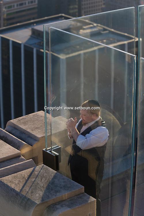 New York. TOP OF THE ROCK terrace in the he Rockfeller center, Empire state building. panoramic view of Manhattan skyline. New York, Manhattan - United states   / TOP OF THE ROCK, terrasse du Rockfeller center empire state building. panorama de la ville.   Manhatan, New York - Etats unis
