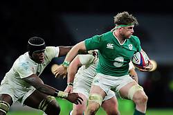 Jamie Heaslip of Ireland looks to fend Maro Itoje of England - Mandatory byline: Patrick Khachfe/JMP - 07966 386802 - 27/02/2016 - RUGBY UNION - Twickenham Stadium - London, England - England v Ireland - RBS Six Nations.