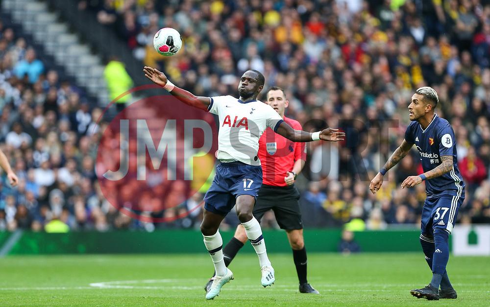 Moussa Sissoko of Tottenham Hotspur stretches out to control the ball - Mandatory by-line: Arron Gent/JMP - 19/10/2019 - FOOTBALL - Tottenham Hotspur Stadium - London, England - Tottenham Hotspur v Watford - Premier League