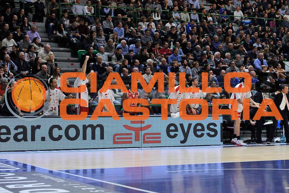 DESCRIZIONE : Campionato 2014/15 Dinamo Banco di Sardegna Sassari - Olimpia EA7 Emporio Armani Milano<br /> GIOCATORE : Panchina Olimpia Milano<br /> CATEGORIA : Esultanza<br /> SQUADRA : Olimpia EA7 Emporio Armani Milano<br /> EVENTO : LegaBasket Serie A Beko 2014/2015<br /> GARA : Dinamo Banco di Sardegna Sassari - Olimpia EA7 Emporio Armani Milano<br /> DATA : 07/12/2014<br /> SPORT : Pallacanestro <br /> AUTORE : Agenzia Ciamillo-Castoria / Luigi Canu<br /> Galleria : LegaBasket Serie A Beko 2014/2015<br /> Fotonotizia : Campionato 2014/15 Dinamo Banco di Sardegna Sassari - Olimpia EA7 Emporio Armani Milano<br /> Predefinita :
