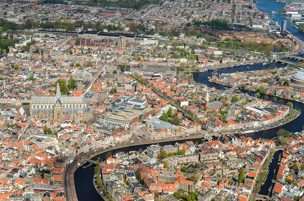 Nederland, Noord-Holland, Haarlem, 09-04-2014; overzicht met Spaarne en Grote of Sint Bavokerk.<br /> Overview Haarlem.<br /> luchtfoto (toeslag op standard tarieven);<br /> aerial photo (additional fee required);<br /> copyright foto/photo Siebe Swart