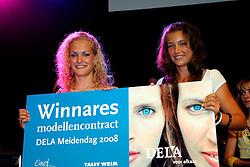 10-05-2008 VOLLEYBAL: DELA MEIDENDAG: APELDOORN<br /> Zo n 1500 meisjes woonden de teampresentatie van het Nederlands vrouwenvolleybalteam bij. De DELA meidendag werd weer een groot succes / Winners Modellendag catwalk<br /> ©2008-WWW.FOTOHOOGENDOORN.NL
