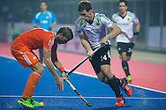 07 GER vs NED : Jonas Gomoll opposed to Floris van der Linden