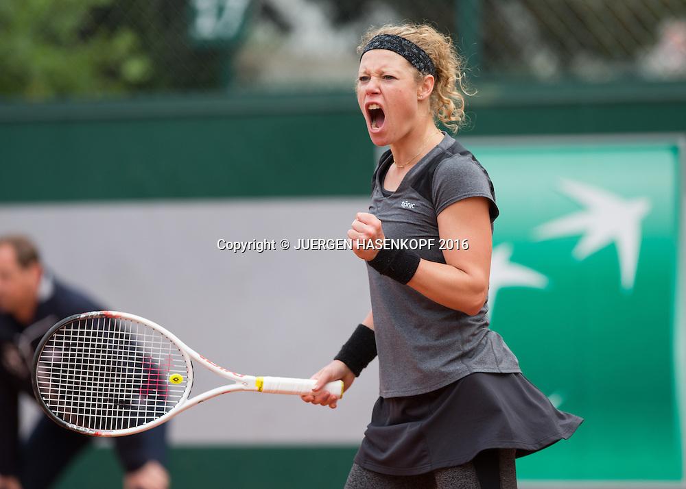 Laura Siegemund (GER) macht die Faust und jubelt,Jubel,Emotion,<br /> <br /> Tennis - French Open 2016 - Grand Slam ITF / ATP / WTA -  Roland Garros - Paris -  - France  - 24 May 2016.