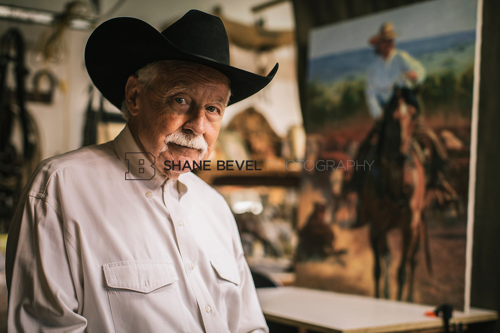 4/24/17 3:20:59 PM -- Portraits of Harold Holden, Oklahoma painter and sculptor.<br /> <br /> Photo by Shane Bevel