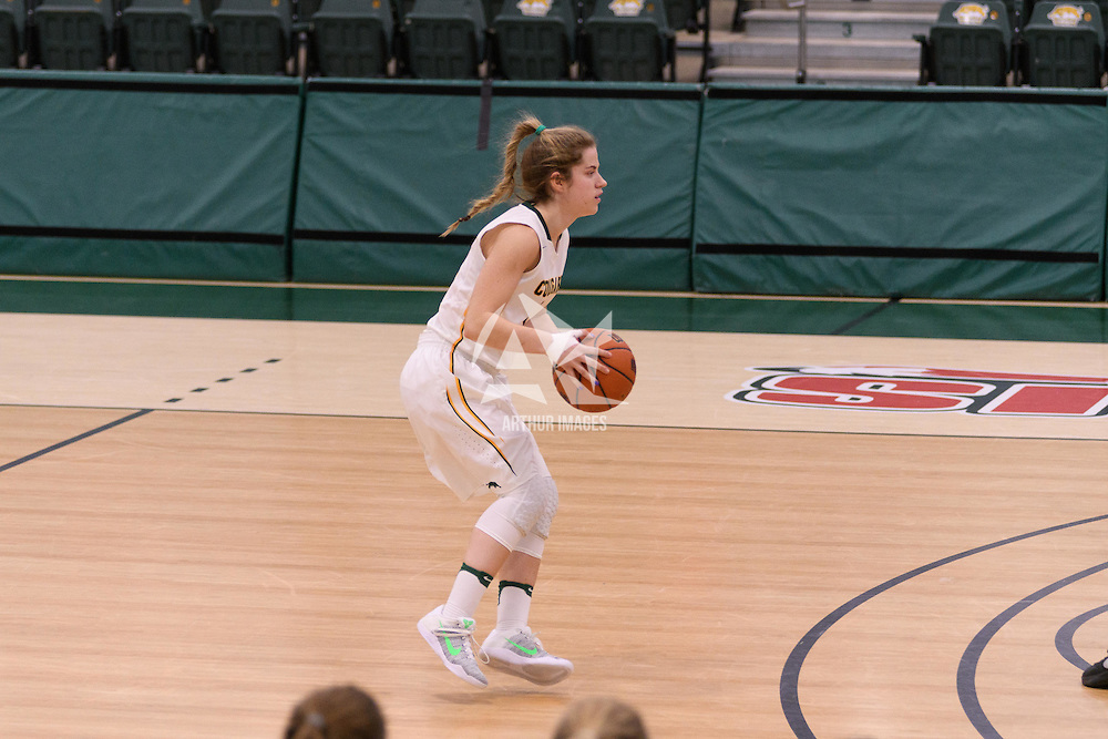 2nd year guard Michaela Kleisinger (2) of the Regina Cougars in action during the Women's Basketball Preseason game on October 14 at Centre for Kinesiology, Health and Sport. Credit: Arthur Ward/Arthur Images