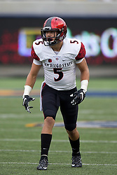 BERKELEY, CA - SEPTEMBER 12:  Wide receiver Chase Favreau #5 of the San Diego State Aztecs lines up for a play against the California Golden Bears during the second quarter at California Memorial Stadium on September 12, 2015 in Berkeley, California. The California Golden Bears defeated the San Diego State Aztecs 35-7. (Photo by Jason O. Watson/Getty Images) *** Local Caption *** Chase Favreau
