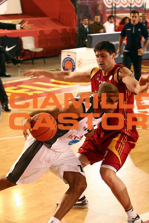 DESCRIZIONE : Roma Eurolega 2007-08 Lottomatica Virtus Roma Brose Baskets Bamberg<br /> GIOCATORE : Ademola Okulaja<br /> SQUADRA : Brose Baskets Bamberg<br /> EVENTO : Eurolega 2007-2008 <br /> GARA : Lottomatica Virtus Roma Brose Baskets Bamberg<br /> DATA : 15/11/2007 <br /> CATEGORIA : penetrazione palleggio<br /> SPORT : Pallacanestro <br /> AUTORE : Agenzia Ciamillo-Castoria/E.Castoria<br /> Galleria : Eurolega 2007-2008 <br /> Fotonotizia : Roma Eurolega 2007-2008 Lottomatica Virtus Roma Brose Baskets Bamberg<br /> Predefinita :