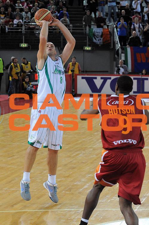 DESCRIZIONE : Roma Lega A 2009-10 Lottomatica Virtus Roma Air Avellino<br /> GIOCATORE : Filip Dylewicz<br /> SQUADRA : Air Avellino<br /> EVENTO : Campionato Lega A 2009-2010<br /> GARA : Lottomatica Virtus Roma Air Avellino<br /> DATA : 25/10/2009<br /> CATEGORIA : Three Points<br /> SPORT : Pallacanestro<br /> AUTORE : Agenzia Ciamillo-Castoria/G.Vannicelli