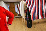 Primary day in New Hampshire, voters cast their ballots at the Atlkinson Community center Tuesday, Feb. 9, 2016.  CREDIT: Cheryl Senter for The New York Times