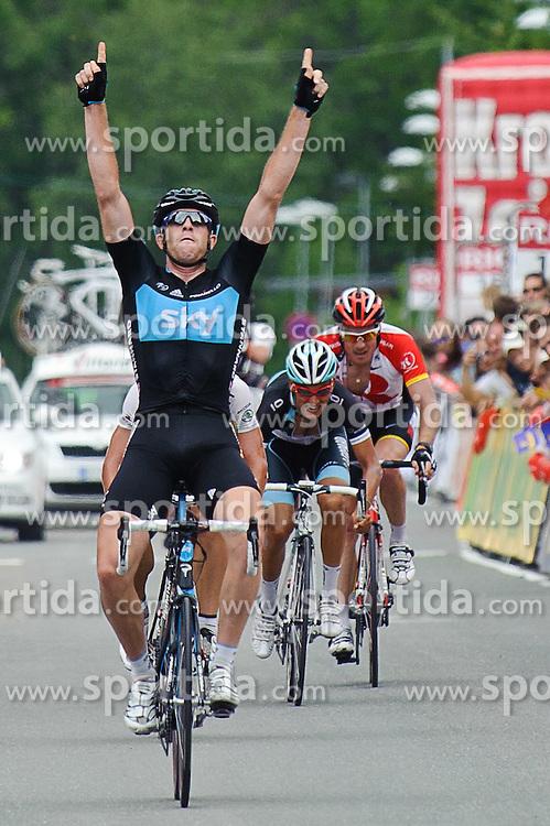 07.07.2011, AUT, 63. OESTERREICH RUNDFAHRT, 5. ETAPPE, ST. JOHANN-SCHLADMING, im Bild Etappensieher Ian Stannard, (GBR, Sky Procycling) vor dem drittplatzierten Stefan Denifl, (AUT, Leopard Trek) // during the 63rd Tour of Austria, Stage 5, 2011/07/07, EXPA Pictures © 2011, PhotoCredit: EXPA/ S. Zangrando