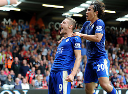 Jamie Vardy of Leicester City celebrates with Shinji Okazaki of Leicester City to make it 1-1. - Mandatory byline: Alex James/JMP - 07966386802 - 29/08/2015 - FOOTBALL - Dean Court -Bournemouth,England - AFC Bournemouth v Leicester City - Barclays Premier League