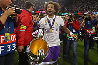 Celebrazione Coppa Real Madrid vince il trofeo, Celebration Cup Real Madrid Wins the trophy Marcelo Real Madrid<br /> Cardiff 03-06-2017  Cardiff National Stadium Millennium Stadium<br /> Football Champions League Final 2016/2017 <br /> Juventus - Real Madrid<br /> Foto Cesare Purini / Insidefoto