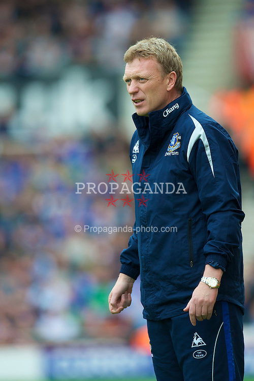 STOKE, ENGLAND - Saturday, May 1, 2010: Everton's manager David Moyes during the Premiership match against Stoke City at Britannia Stadium. (Photo by David Rawcliffe/Propaganda)
