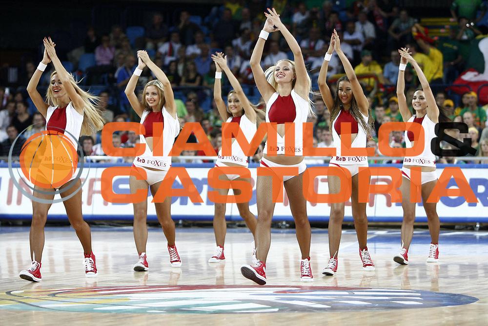 DESCRIZIONE : Wroclaw Poland Polonia Eurobasket Men 2009 Preliminary Round Turchia Lituania Turkey Lithuania <br /> GIOCATORE : Cheerleaders<br /> SQUADRA : <br /> EVENTO : Eurobasket Men 2009<br /> GARA : Turchia Lituania Turkey Lithuania<br /> DATA : 07/09/2009 <br /> CATEGORIA :<br /> SPORT : Pallacanestro <br /> AUTORE : Agenzia Ciamillo-Castoria/E.Castoria<br /> Galleria : Eurobasket Men 2009 <br /> Fotonotizia : Wroclaw Poland Polonia Eurobasket Men 2009 Preliminary Round Turchia Lituania Turkey Lithuania<br /> Predefinita :