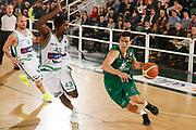 DESCRIZIONE : Avellino Lega A 2011-12 Sidigas Avellino Montepaschi Siena<br /> GIOCATORE : Nikolaos Zizis<br /> SQUADRA : Montepaschi Siena <br /> EVENTO : Campionato Lega A 2011-2012<br /> GARA : Sidigas Avellino Montepaschi Siena<br /> DATA : 11/12/2011<br /> CATEGORIA : palleggio penetrazione<br /> SPORT : Pallacanestro<br /> AUTORE : Agenzia Ciamillo-Castoria/A.De Lise<br /> Galleria : Lega Basket A 2011-2012<br /> Fotonotizia : Avellino Lega A 2011-12 Sidigas Avellino Montepaschi Siena<br /> Predefinita :