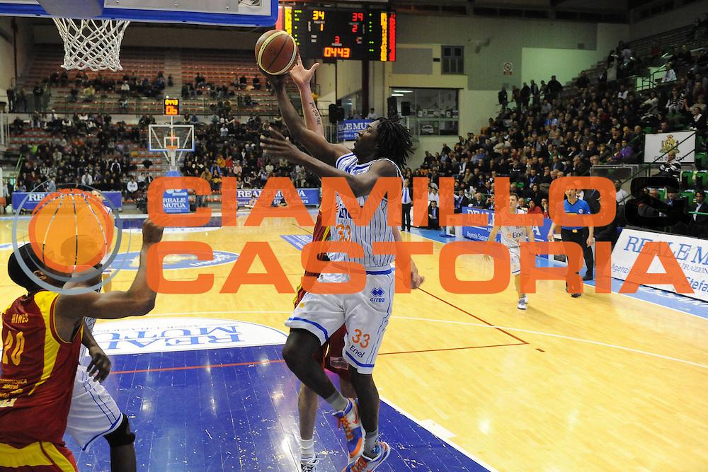 DESCRIZIONE : Sassari Lega A2 2009-10 Final Four Coppa Italia Finale Prima Veroli Enel Brindisi <br /> GIOCATORE : Omar Thomas<br /> SQUADRA : Enel Brindisi<br /> EVENTO : Campionato Lega A2 2009-2010<br /> GARA : Prima Veroli Enel Brindisi<br /> DATA : 07/03/2010<br /> CATEGORIA : Tiro<br /> SPORT : Pallacanestro<br /> AUTORE : Agenzia Ciamillo-Castoria/GiulioCiamillo<br /> Galleria : Lega Basket A2 2009-2010  <br /> Fotonotizia : Sassari Lega A2 2009-2010 Final Four Coppa Italia Finale Prima Veroli Enel Brindisi <br /> Predefinita :
