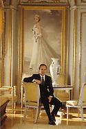 HRH Albert of Monaco,in front of the princesse Grace portrait in the palace  Monaco  Monaco        S.A.S. Albert de Monaco devant le protrait de la princesse grace, dans le palais  Monaco  Monaco   R00245/    L3203  /  R00245  /  P0005176