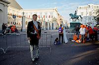 DEN HAAG, 20 september.<br /> Prinsjesdag 2016. Eerste toeschouwers achter de dranghekken paleis Noordeinde<br /> FOTO MARTIJN BEEKMAN/Ministerie van Financien