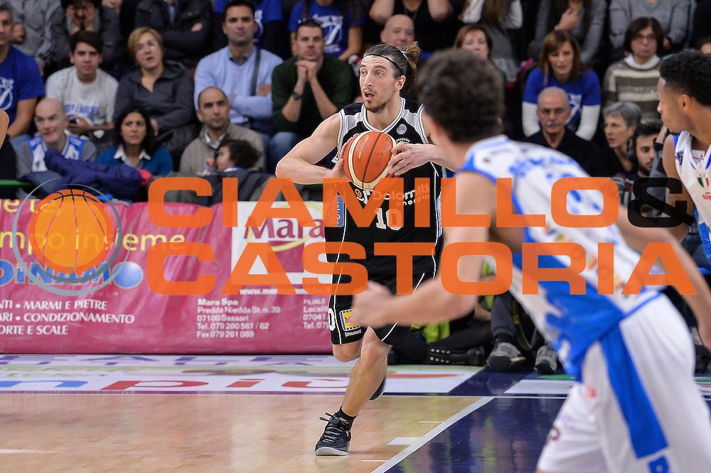 DESCRIZIONE : Campionato 2015/16 Serie A Beko Dinamo Banco di Sardegna Sassari - Dolomiti Energia Trento<br /> GIOCATORE : Toto Forray<br /> CATEGORIA : Passaggio Contropiede<br /> SQUADRA : Dolomiti Energia Trento<br /> EVENTO : LegaBasket Serie A Beko 2015/2016<br /> GARA : Dinamo Banco di Sardegna Sassari - Dolomiti Energia Trento<br /> DATA : 06/12/2015<br /> SPORT : Pallacanestro <br /> AUTORE : Agenzia Ciamillo-Castoria/L.Canu